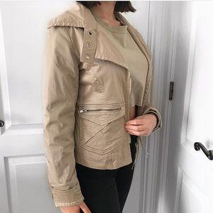 Super cute cargo zip up jacket